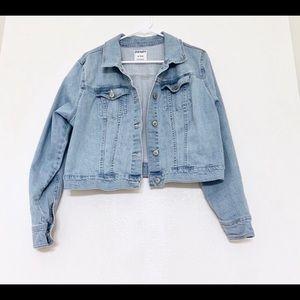Cropped lightwash Denim jacket